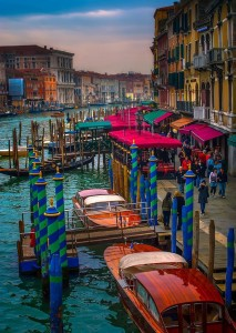 Grand Canal Venice Italy 213x300 3 Reasons to Travel While You're Young