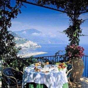 Seaside Amalfi Coast Italy 300x300 3 Reasons to Travel While You're Young