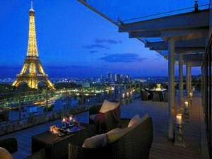 Shangri La Hotel Paris 300x225 3 Reasons to Travel While You're Young